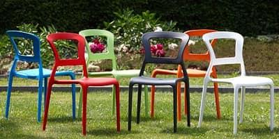 Pepper, Sedia in tecnopolimero colorata, impilabile, anche per giardino