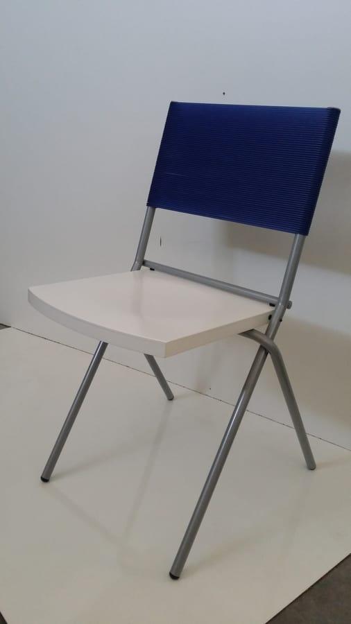 sedia salvaspazio impilabile per la cucina idfdesign