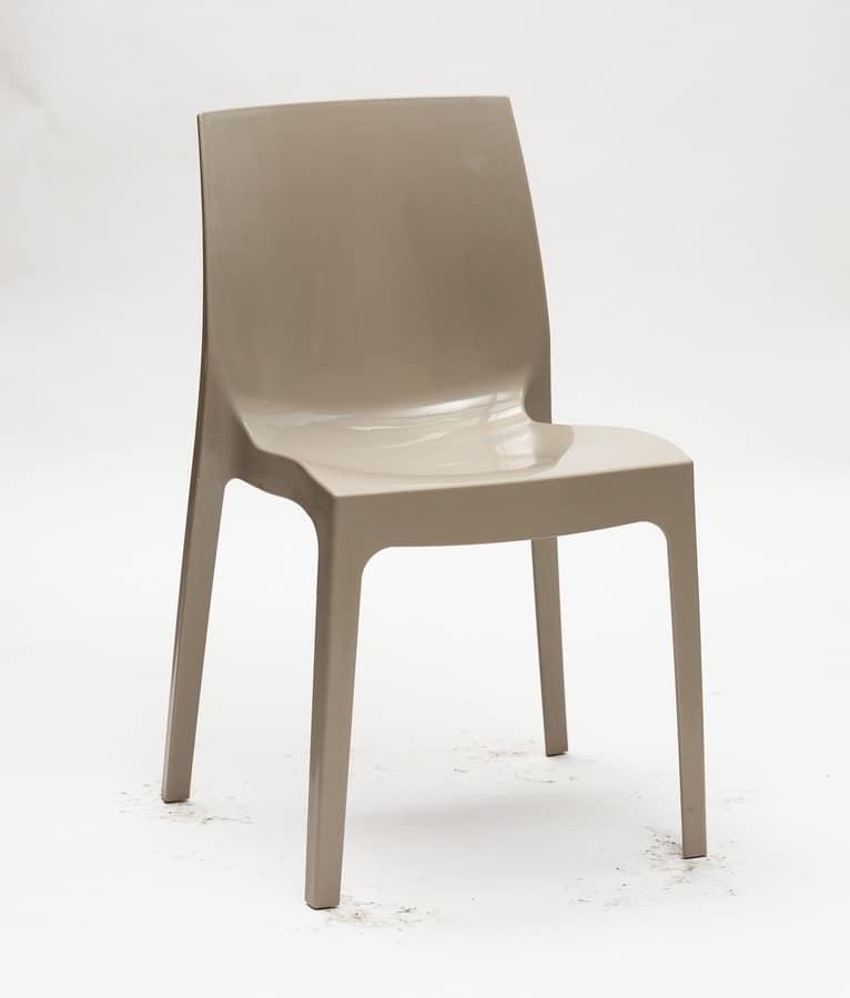 Sedia impilabile in plastica per cucina idfdesign for La sedia nel design