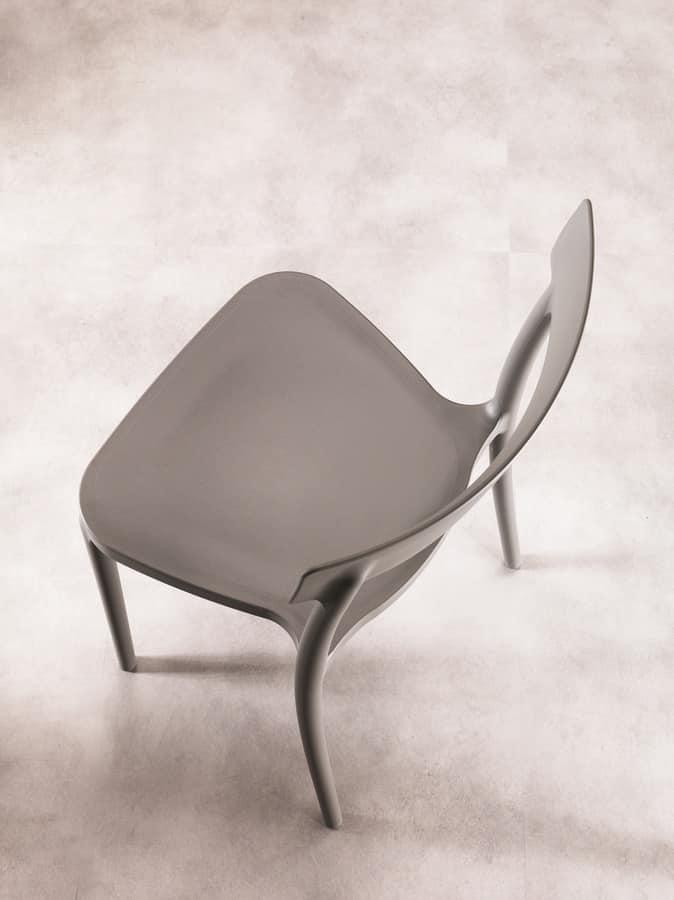 Sedia dal design elegante leggera ed impilabile idfdesign for Sedia design srl