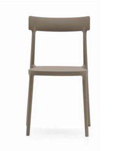 Ava, Leggera sedia in polipropilene, impilabile