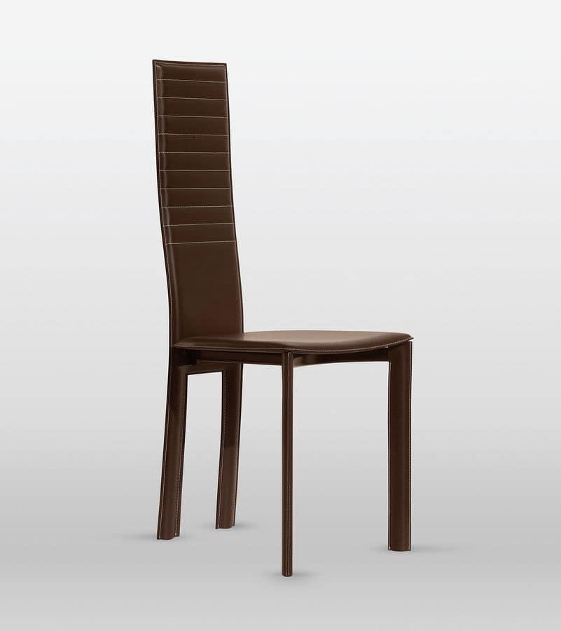 Sedia in cuoio schienale con cuciture orizzontali per for Sedie da pranzo design