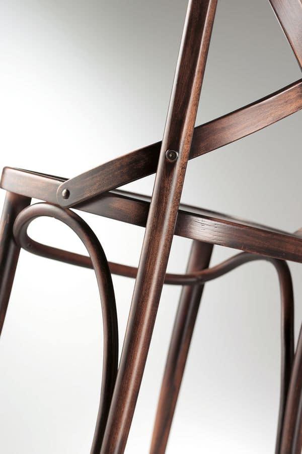 Sedia in legno massello per uso contract idfdesign for Sedie design 900
