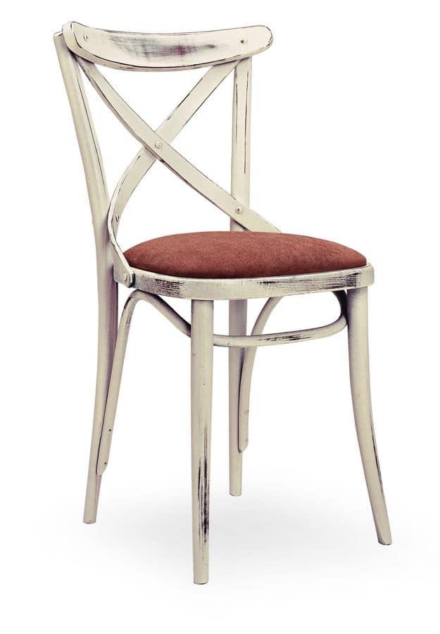 Sedia in legno massello seduta imbottita idfdesign for Sedie design 900