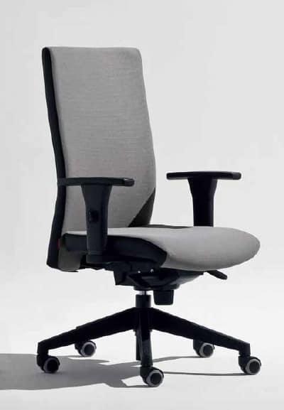 Lora-PB, Sedia da ufficio con braccioli a T