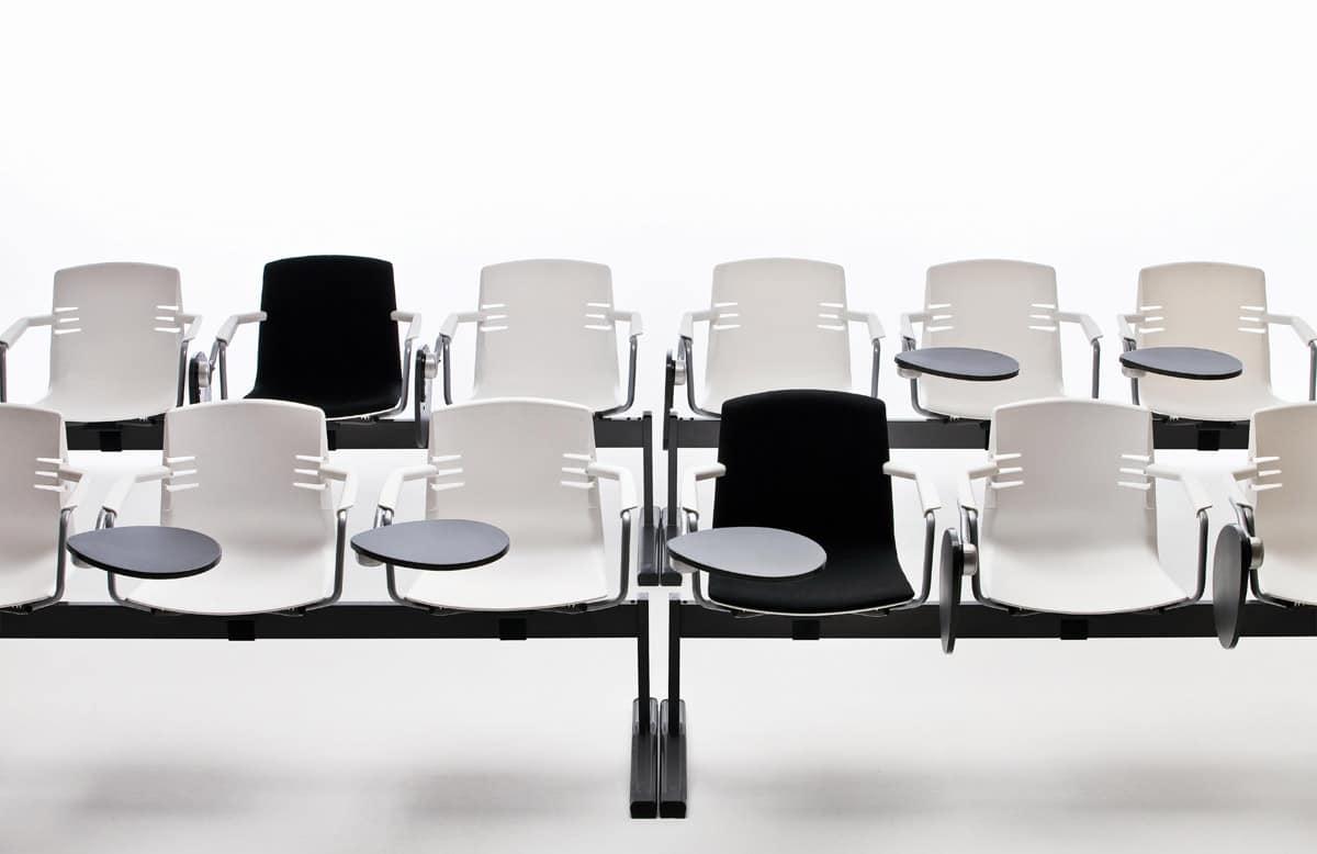 Sedia per ufficio con base in metallo cromato su ruote for Sedie ufficio design outlet