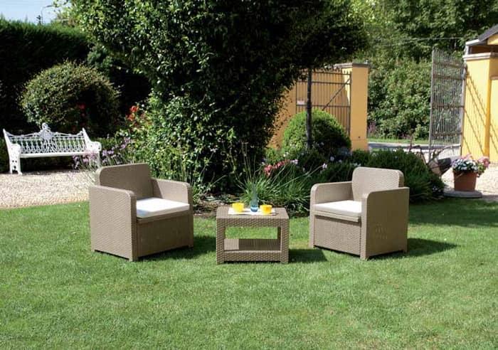 Poltrone giardino con tavolo salotto set giardino tete a for Poltrone da giardino