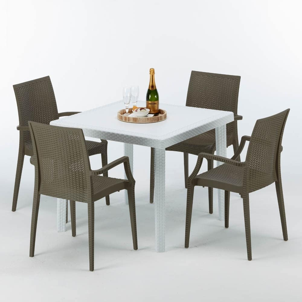 Tavolo con sedie da giardino moderno for Sedie giardino moderne