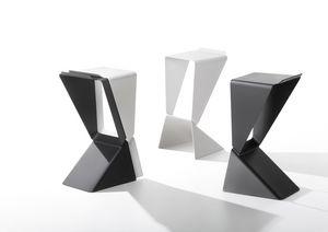 Sgabelli con base quadrata altezza h da bar idfdesign
