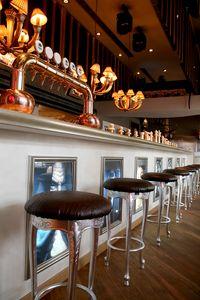 Club pelle, Sgabello classico ideale per alberghi e ristoranti