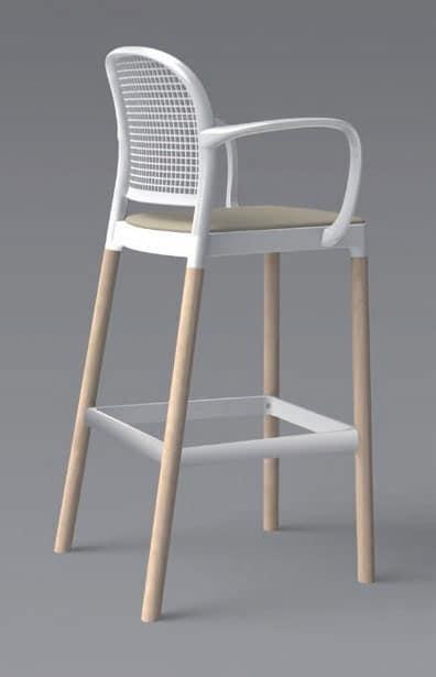 Sgabello in legno con braccioli per cucina moderna idfdesign for Sgabelli in legno per cucina