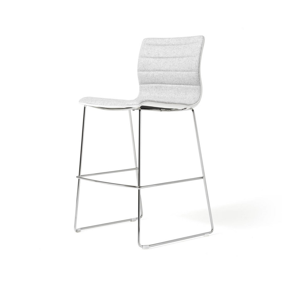 Sgabello imbottito con struttura in acciaio cromato  : miss stool sgabello struttura in metallo 3 from www.idfdesign.it size 672 x 900 jpeg 18kB