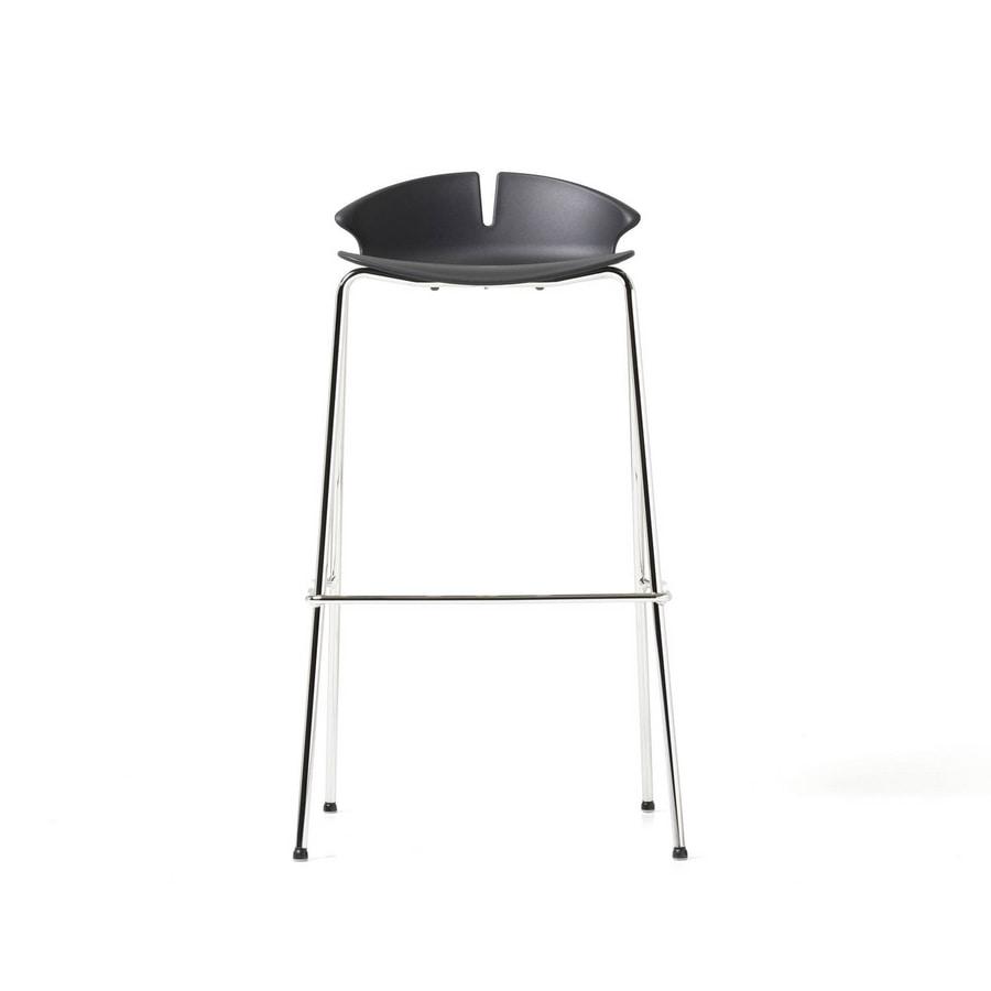 Red Hot stool, Sgabello con monoscocca in polipropilene colorato