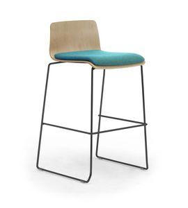 Zerosedici Wood stool, Sgabello con base a slitta in metallo