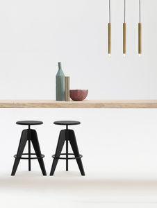 ART. 308 TURN regolabile, Sgabello regolabile in altezza, con seduta tonda, in legno