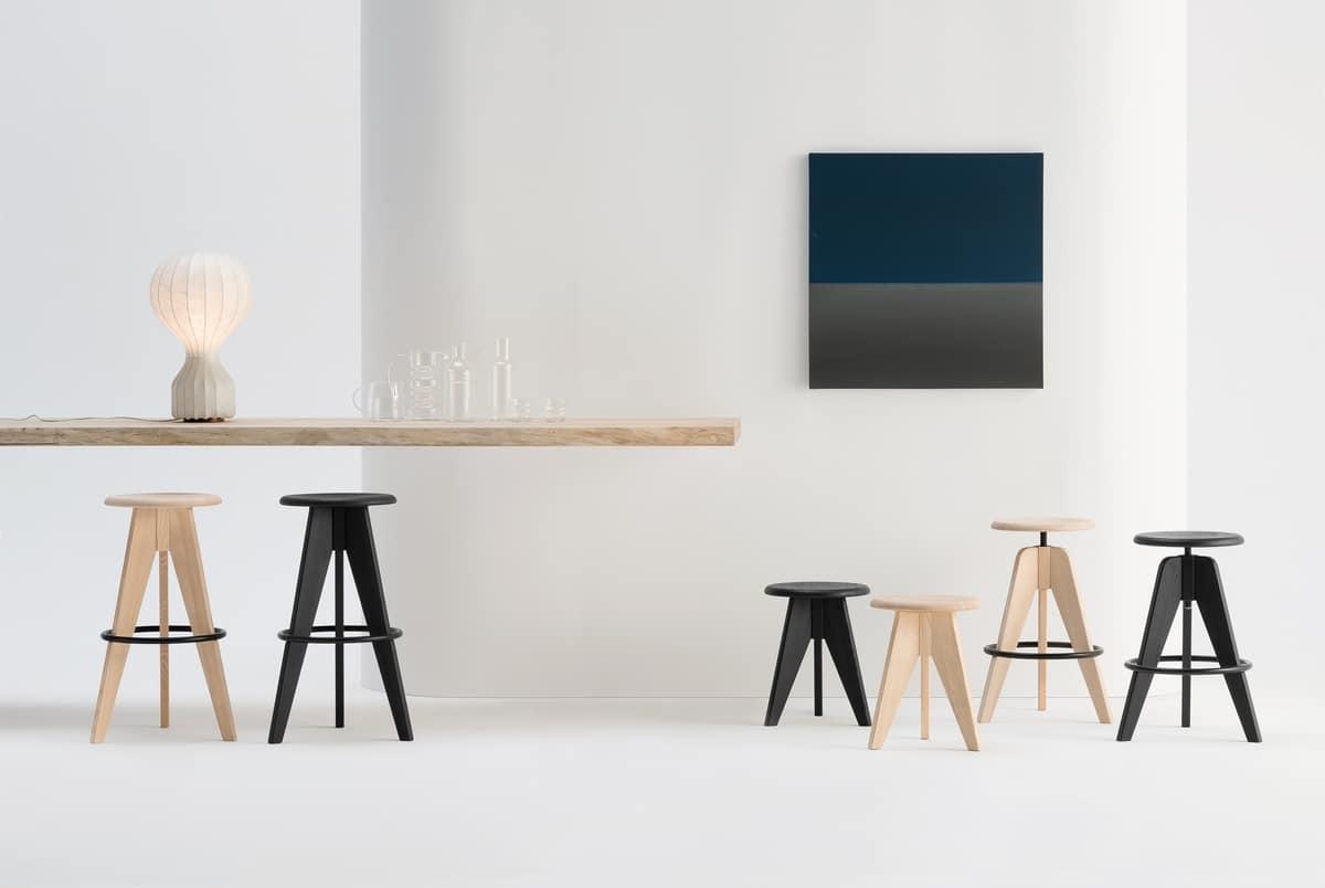 Sgabello regolabile in altezza con seduta tonda in legno idfdesign