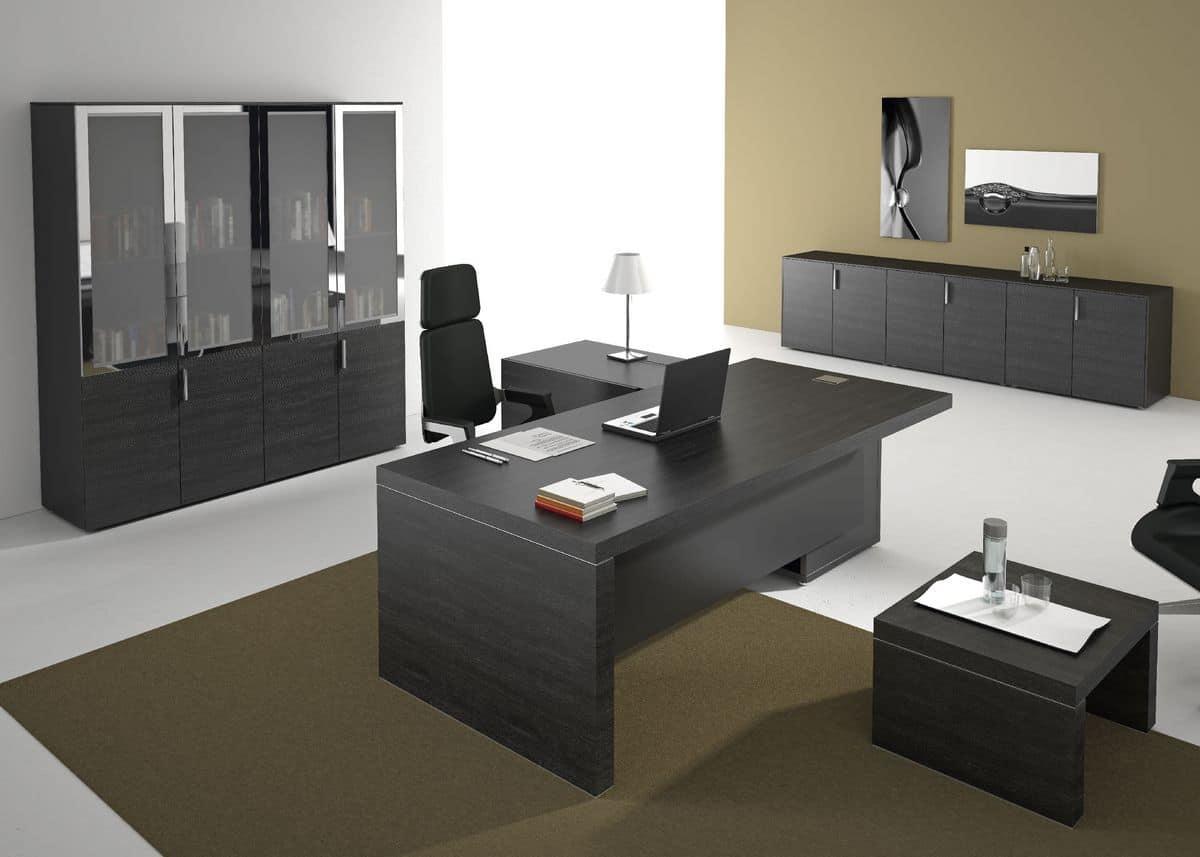 Arredamento per uffici direzionali in stile moderno for Design ufficio scrivania