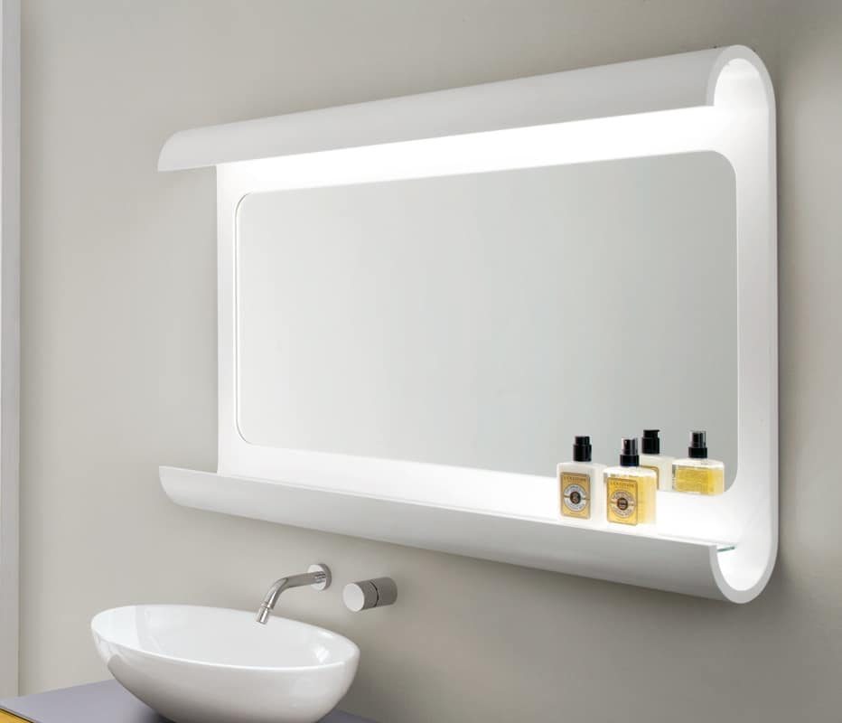 Specchiera da bagno in legno curvato con luce a led for Specchio contenitore bagno