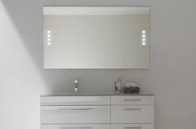 Specchiera da bagno con luce led idfdesign - Ikea specchi bagno con luce ...