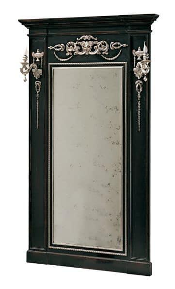 Canaletto RA.0844, Specchiera laccata da appoggio con decorazioni ad intaglio argentate e lesene laterali