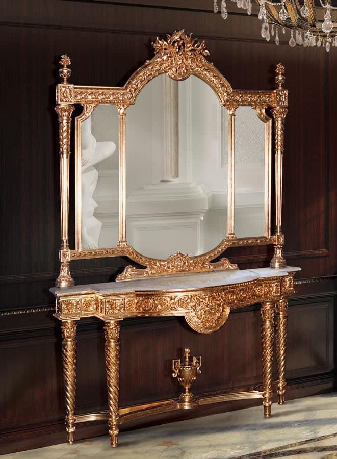 Consolle e specchio dorato in stile classico di lusso - Specchi in stile ...