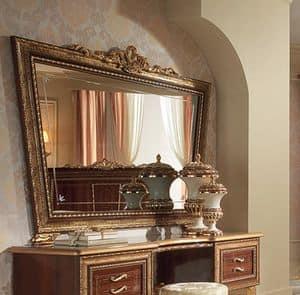 Giotto specchiera, Specchiera a forma di trapezio rovesciato, con cornice