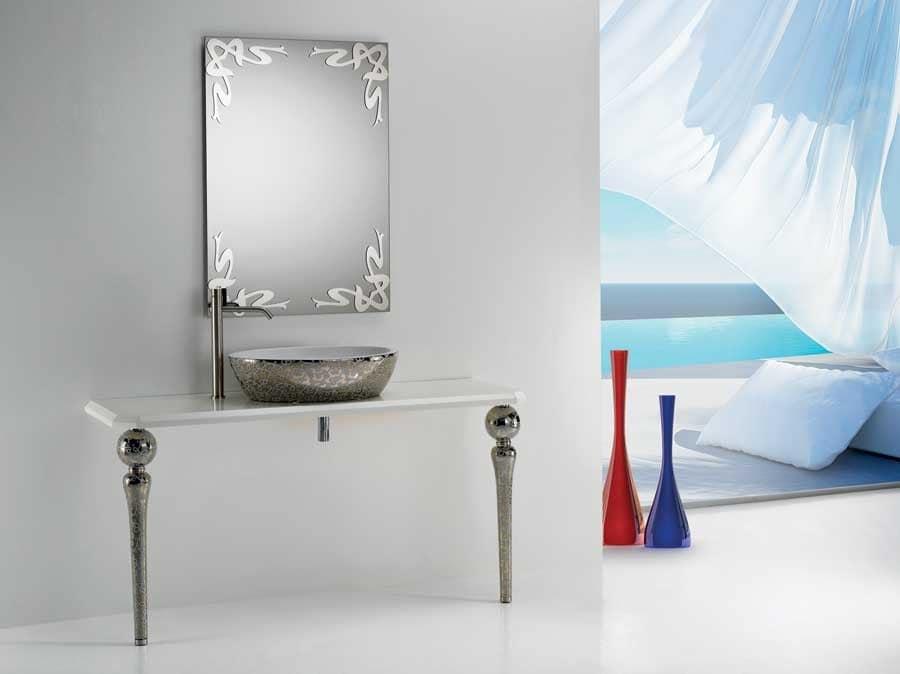 Specchio con decorazioni idfdesign