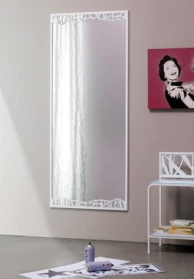 Specchio decorativo con sottile cornice in metallo idfdesign - Specchi in stile ...