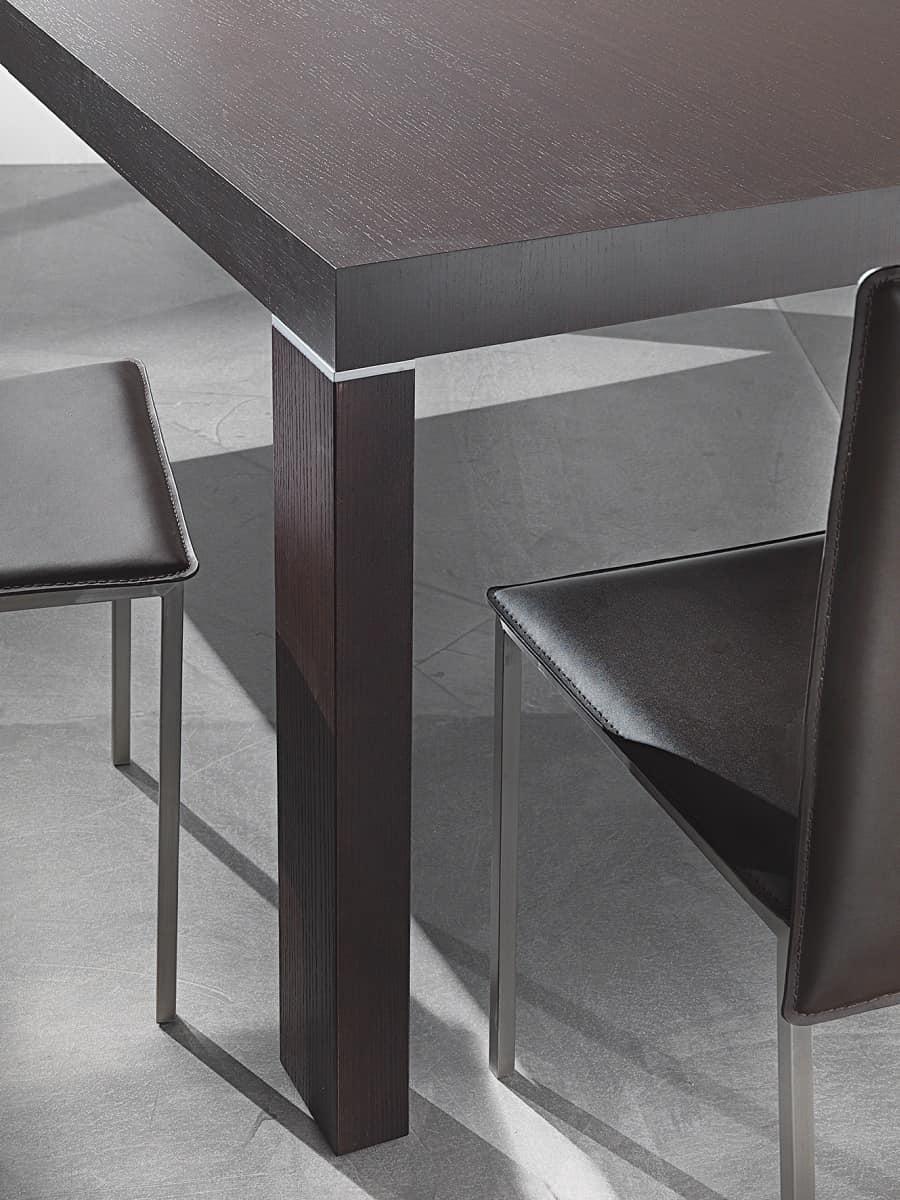 Tavolo allungabile con più allunghe, disponibile in varie finiture  IDFdesign