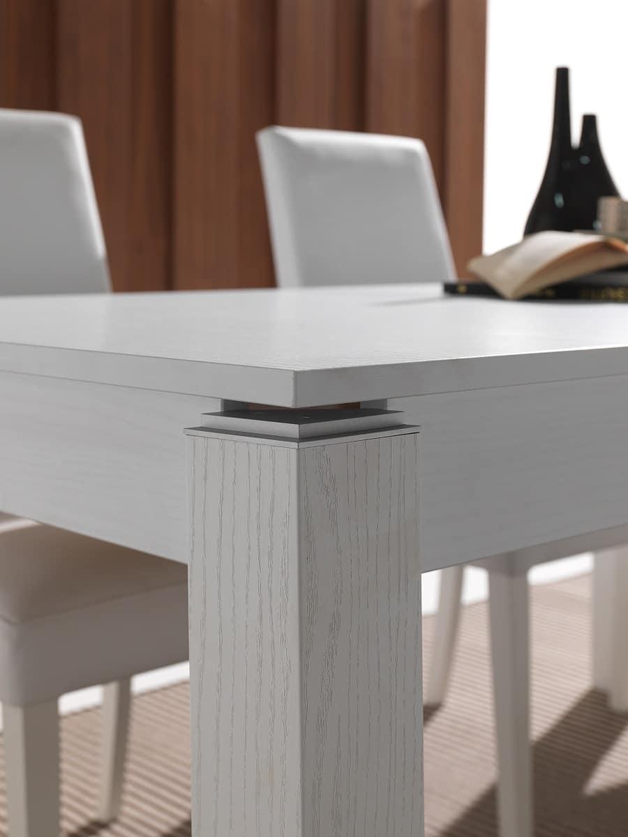 Tavolo allungabile in legno massello laccato idfdesign for Tavoli allungabili