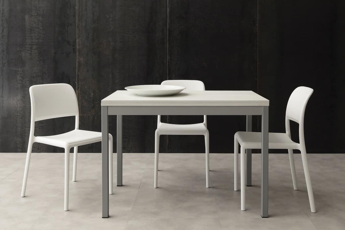 Tavolo da pranzo allungabile di piccole dimensioni idfdesign - Dimensioni tavolo da pranzo ...