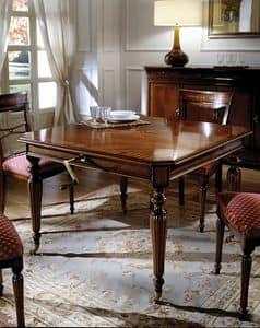 Tavolo allungabile in stile classico, intagli fatti a mano  IDFdesign