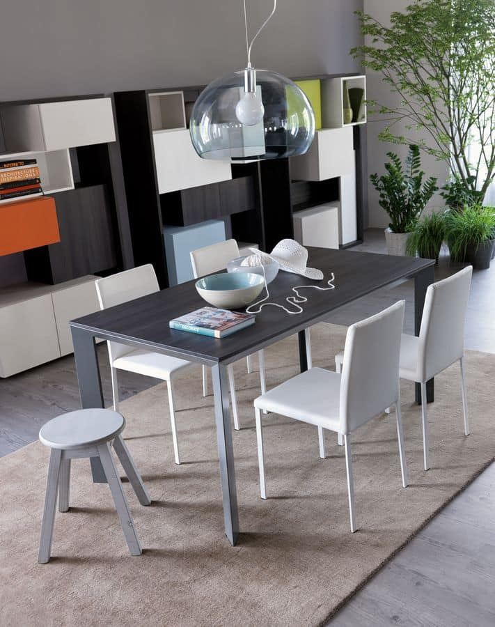 Tavolo allungabile in alluminio per ambienti residenziali for Tavoli in legno allungabili