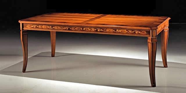 Tavolo salotto classico ispirazione interior design for Casa in stile missione