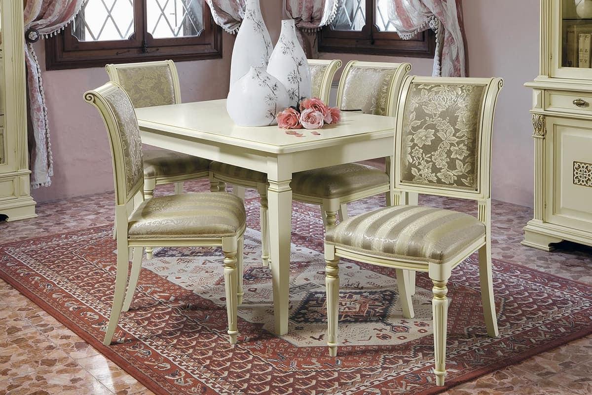 Tavolo quadrato classico in legno per uso residenziale for Immagini di tavoli