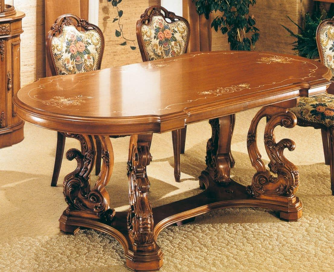 Tavolo ovale in noce intagliato decorazioni a mano in for Immagini di tavoli