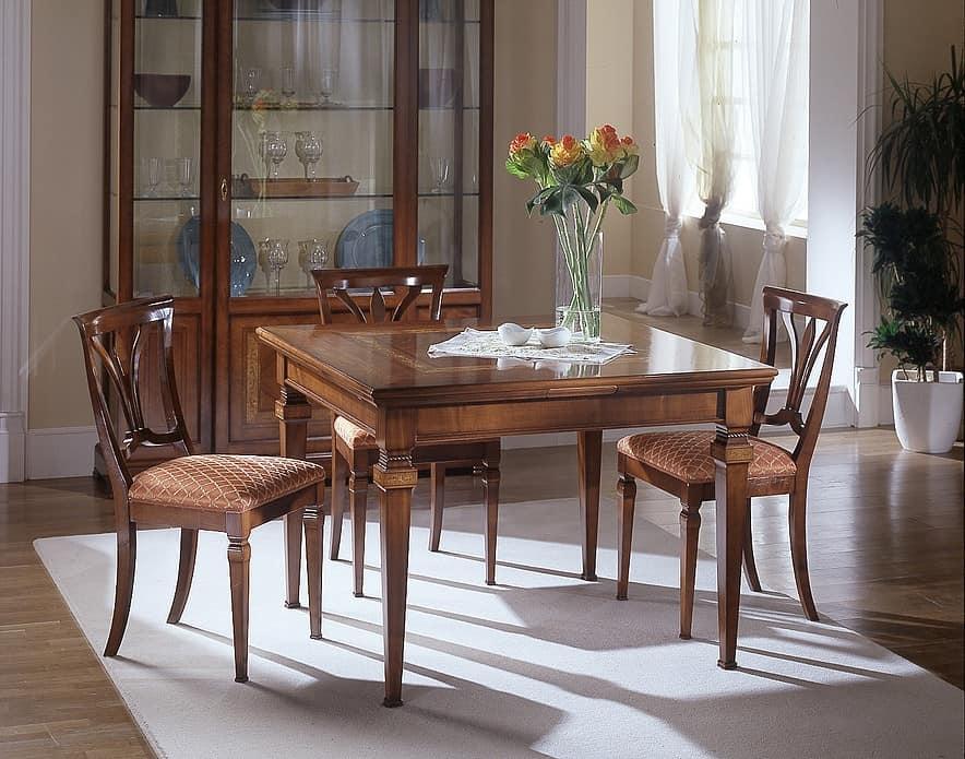 Tavolo allungabile in ciliegio intarsiato pratico for Tavoli in ciliegio moderno