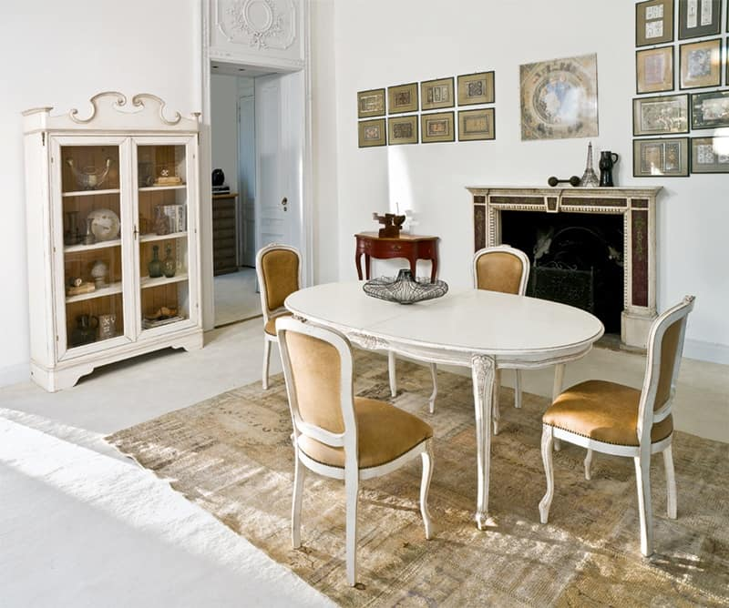 Tavolo allungabile ovale, in legno laccato, albergo di ...
