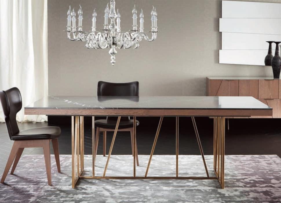 Tavolo allungabile con base in ottone e top in marmo for Tavolo marmo design