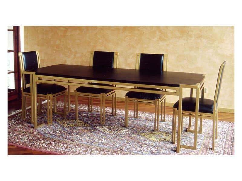 Tavolo da pranzo in legno con piano in pelle, stile classico  IDFdesign