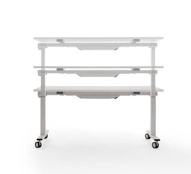 Tavolo regolabile in altezza per scuole e laboratori idfdesign - Tavoli regolabili in altezza prezzi ...