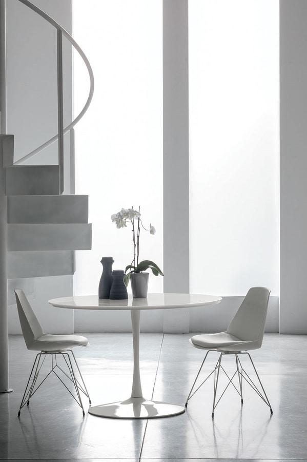 Tavolo in metallo e legno per cucine moderne idfdesign for Tavoli per cucine moderne