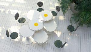 Alice, Tavolini a forma di fiore margherita