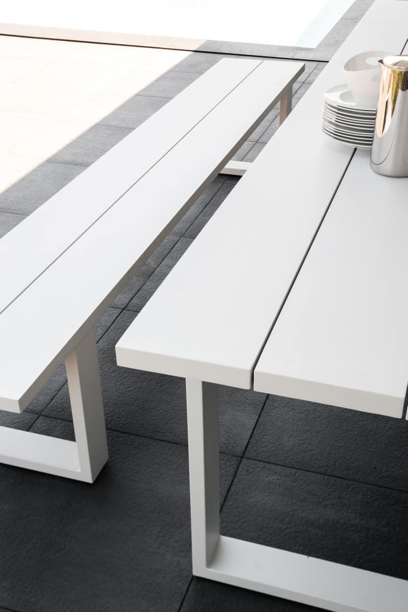 Tavolo da pranzo in alluminio per esterno idfdesign - Altezza tavolo da pranzo ...