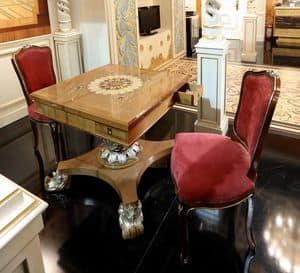 Tavolino da gioco, Tavolino da gioco, con piano intarsiato e base scolpita