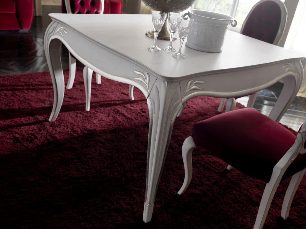 Tavolo da pranzo in legno stile classico piano quadrato - Sale da pranzo stile classico ...