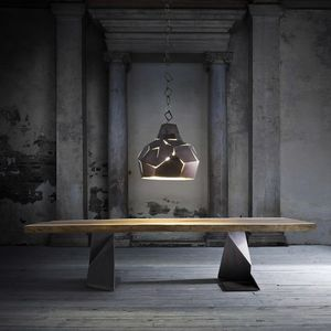 Trog, Tavolo in legno massiccio con gambe in ferro