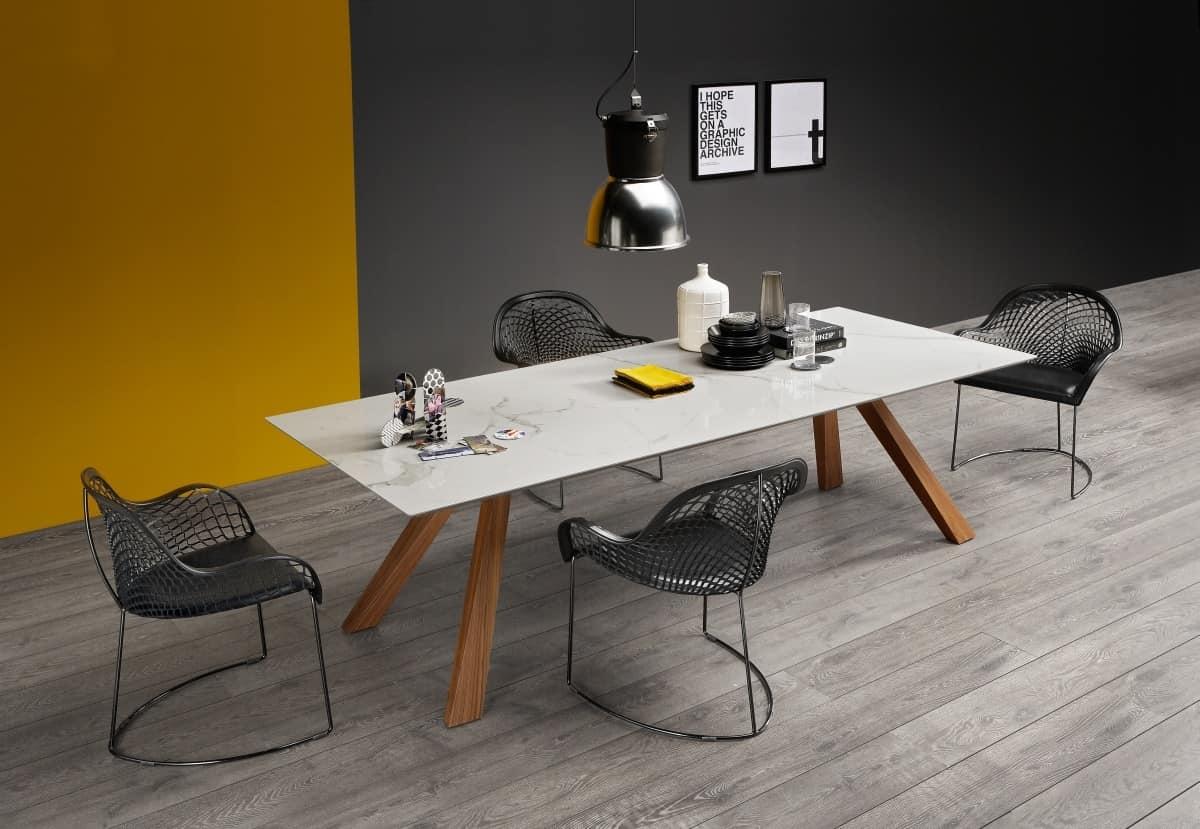 Tavolo in legno con piano in marmo idfdesign for Tavoli pranzo legno