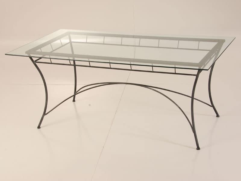 Tavolo con piano in vetro per esterno idfdesign for Tavolo ferro esterno