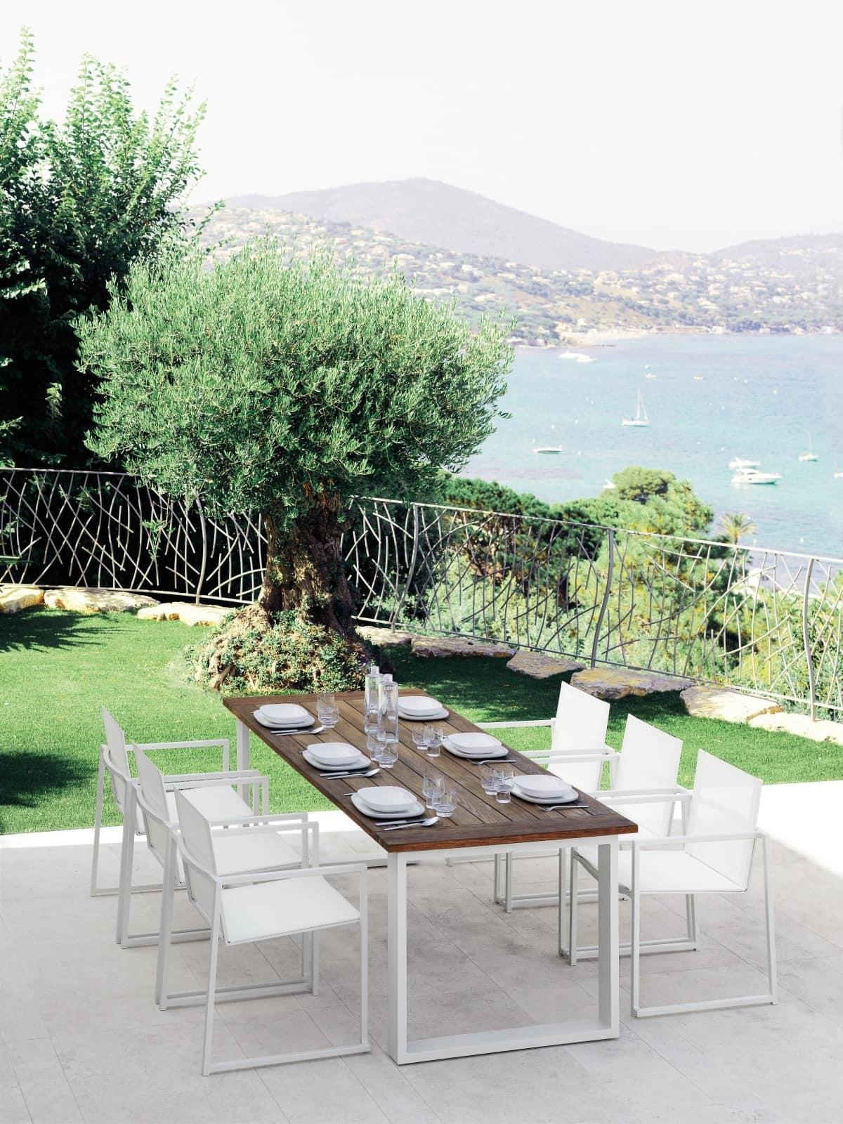 Tavolo da pranzo con piano in legno per esterno idfdesign - Altezza tavolo da pranzo ...
